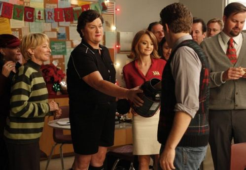 GLEE-A-Very-Glee-Christmas-2-550x380.jpg