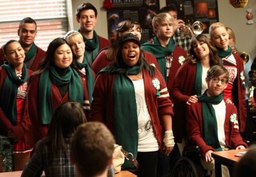 GLEE-A-Very-Glee-Christmas-6-550x380.jpg