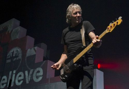 2013_09_11-Roger-Waters-The-Wall-Letzigtund-Zurich075.jpg