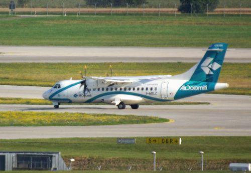 ATR-42-I-ADLZ-Air-Dolomiti.JPG