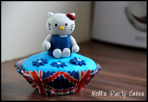 cupcake-hello-kitty-union-jack-british.jpg