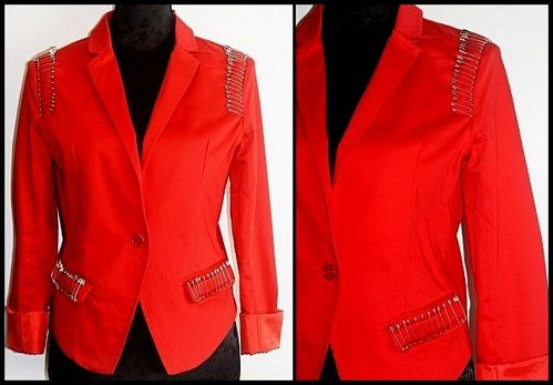 Veste rouge pingles