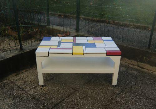 Table mondrian qui se d place atelier natur 39 elle for Table qui se deplie