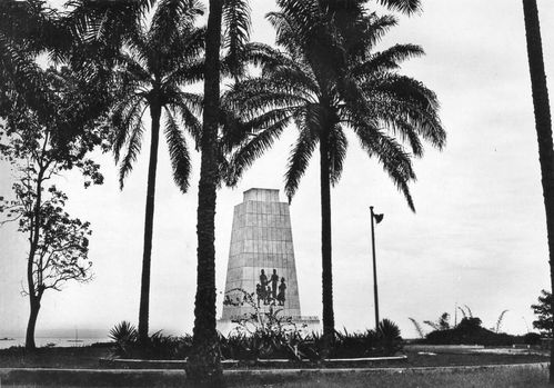 brazza phare-monument-1955