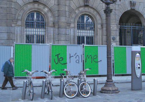 je t'aime graffiti palissade