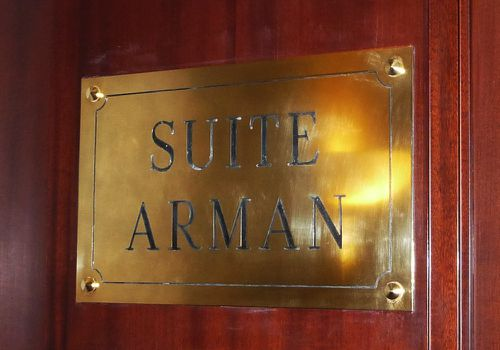 Lutetia paris suite arman plaque