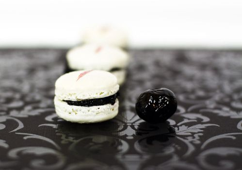 macaron blanc et noir