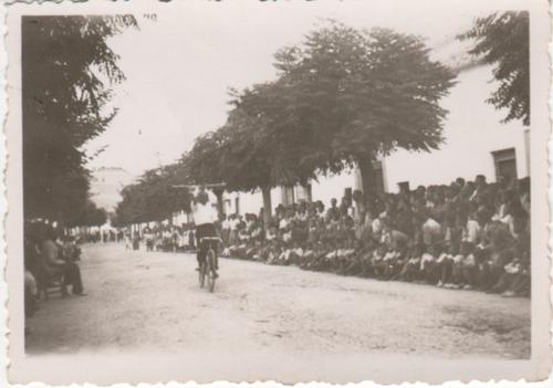 paseo-de-badolatosa--feria-11-08-1943--4.png