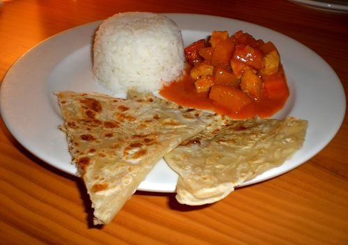 roti canai et red curry