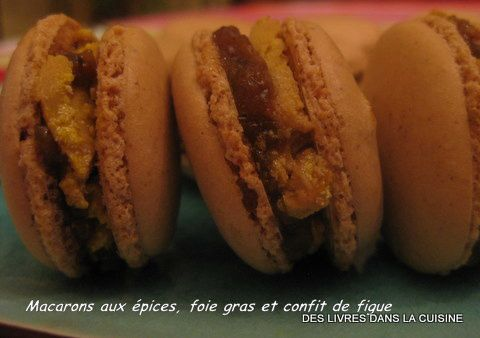 macarons pic s foie gras et confit de figue des livres dans la cuisine. Black Bedroom Furniture Sets. Home Design Ideas