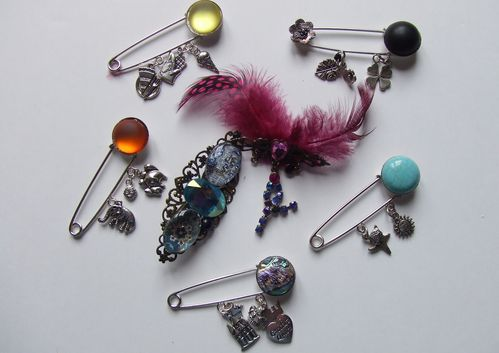 COLLECTION BROCHES