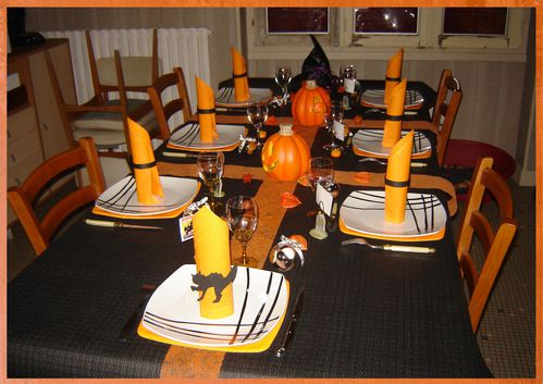 D co de table halloween 2010 quand mimi cr e le for Decoration de table halloween