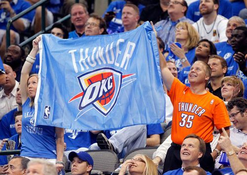 mavericks_fans1_110524.jpg