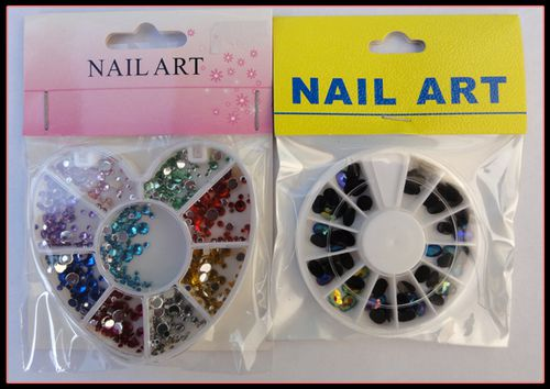 Carrousel strass & pierres nail art