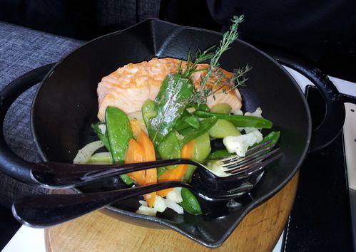 lazare saumon grille legumes huile olive