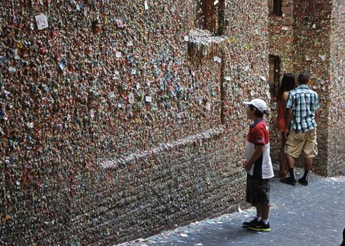 Gum wall Seattle by Lacey White