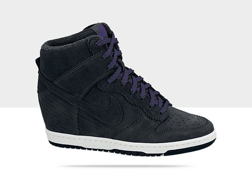 Nike-Dunk-Sky-High-Womens-Shoe-528899_014_A.jpg