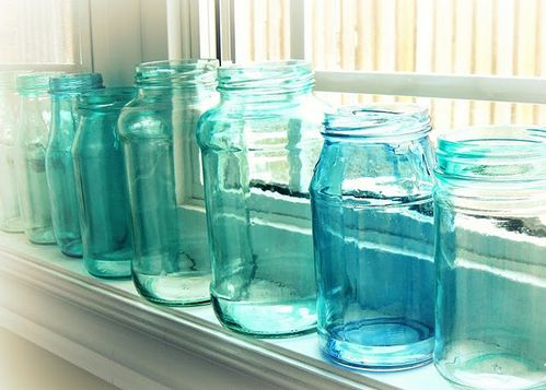 DIY aqua mason jars via craftberrybush