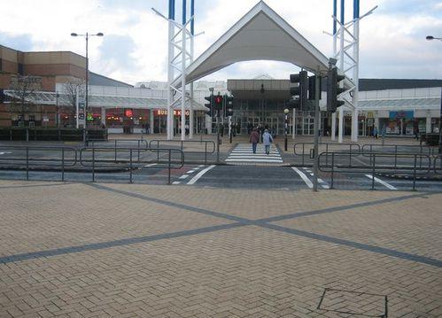 Blanchardstown_Shopping_Centre_-_geograph.org.uk_-_624414.jpg
