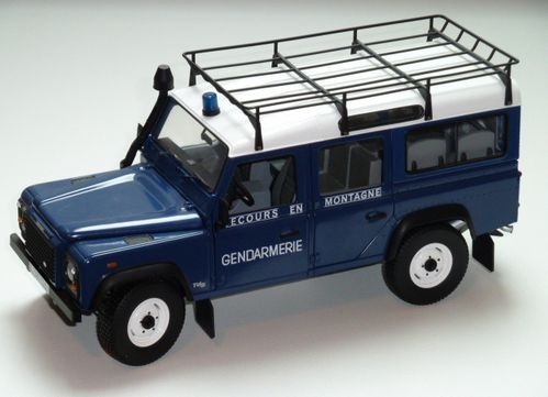 land rover defender gendarmerie au 1 18 me universal hobbies. Black Bedroom Furniture Sets. Home Design Ideas