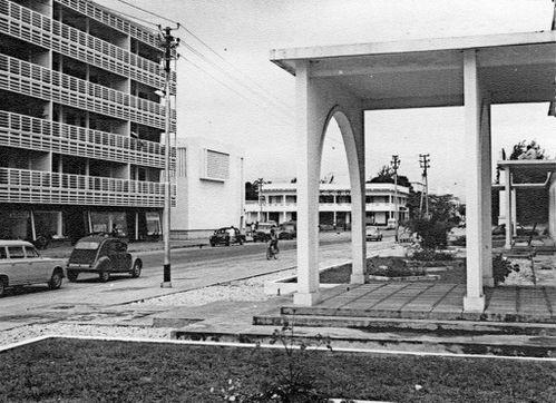 17-arcades-Pointe-Noire-mairie