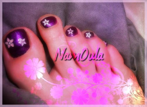 pedicure-violette-et-fleurs-stickers-copie-2.jpg