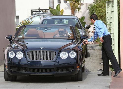 Johnny-Hallyday-Johnny-Hallyday-Take-New-Bentley-ZakY02TiaL.jpg