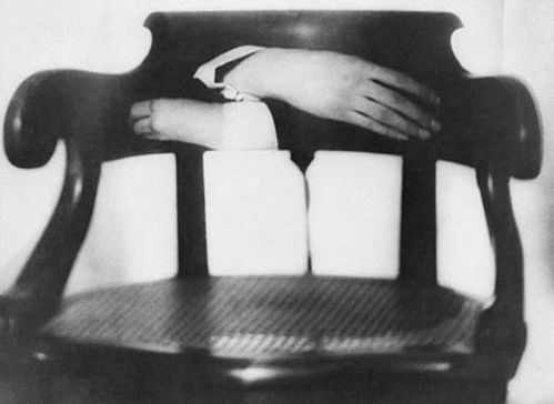 Man Ray 1920 Les mains de Duchamp