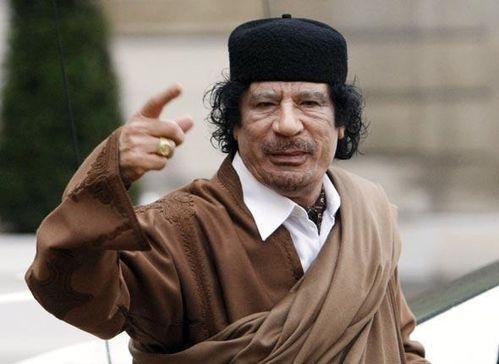 kadhafi-moi-je-suis-la-je-n-interviens-pas-faites-ce-que-vo.jpg