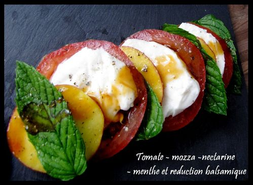 tomate-mozzarella-nectarine-menthe-reduction-vinaigre-balsa.jpg