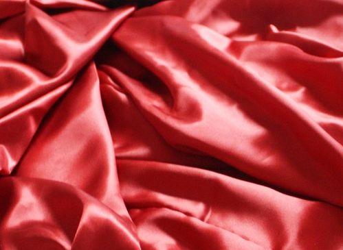 draps de soie parurerouge-z