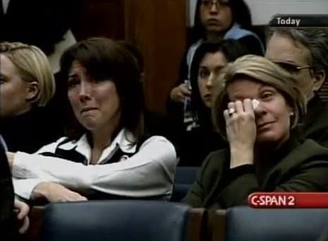 Femmes-qui-pleurent.JPG