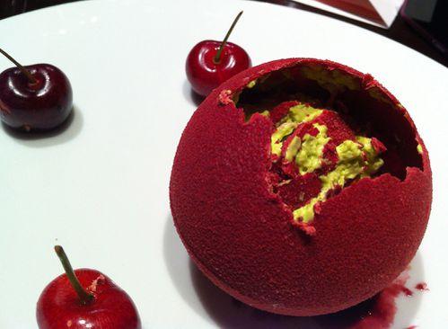 table ronde amandine chaignot cerise pistache01