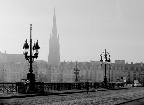 Bordeaux-Pont-de-pierre.jpg