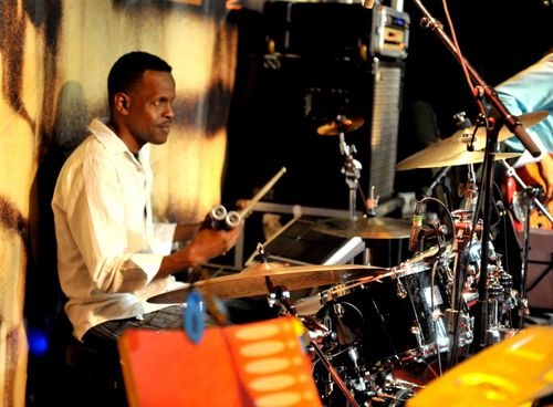 le-batteur-Rudy-Lewis-photo-Alfred-Jocksan.jpg