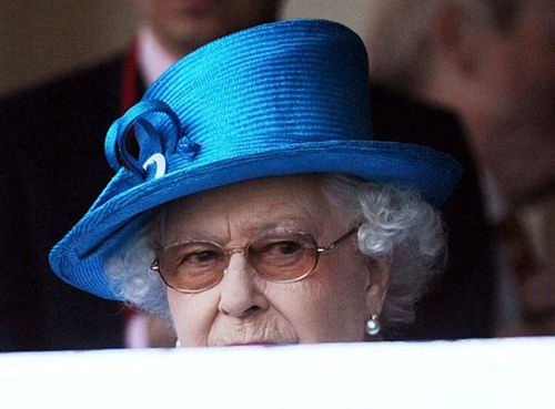 elizabethii1_reference_article-20130907-132521-536.jpg
