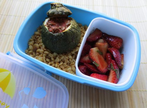 bento_cammie-158_courgette_farcie_blesotto_fraise_basilic.jpg