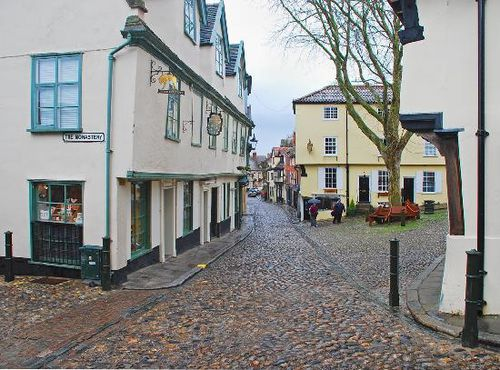 elm-hill-norwich-cobbled.jpg