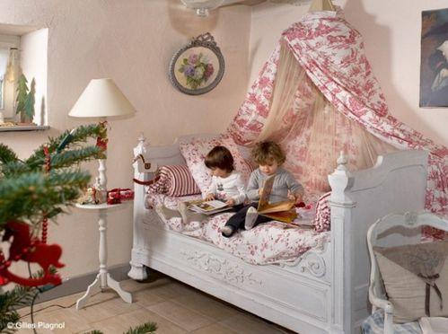 Chambre-enfant-noel_w641h478.jpg