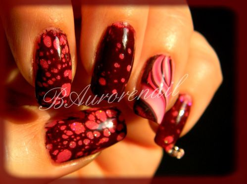 Nail-art--facon-Spotted-et-son-petit-water-marble-1.jpg