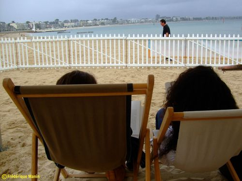 2012-08-13-Theo-Tom-Mams-lecture-pluie-Blog.jpg