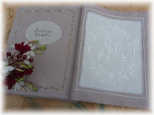 cahier broderie XII g 1