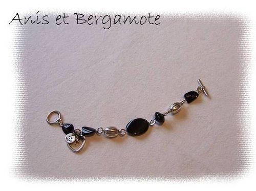 bracelet-noir.jpg