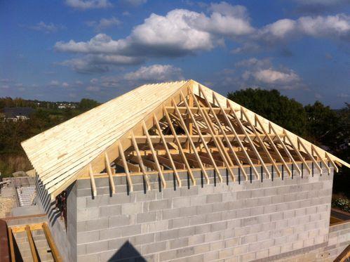 charpentes traditionnelles toit plat fh construction. Black Bedroom Furniture Sets. Home Design Ideas