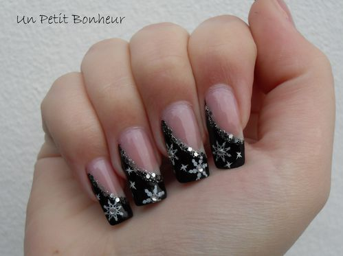 de la neige sur mes ongles nail art par un petit bonheur. Black Bedroom Furniture Sets. Home Design Ideas