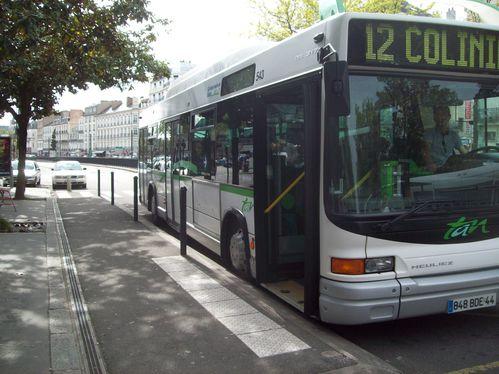 Ligne-12-arret-gare.jpg
