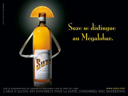 Suze-se-distingue-au-Megalo-Bar-DBRetouching.ch