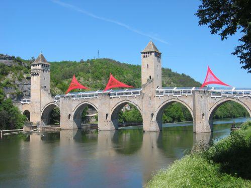 pont-Valentre---fete-gastronomie.jpg