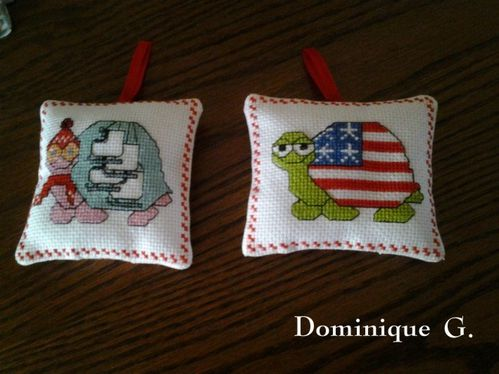 Coussinets-tortues-brodees-Dominique-1-Mamigoz.jpg