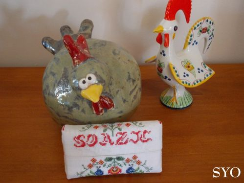 Etui-brode-mouchoirs-Folklore-Pologne-1-Mamigoz.jpg